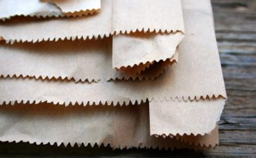 papieren zakjes