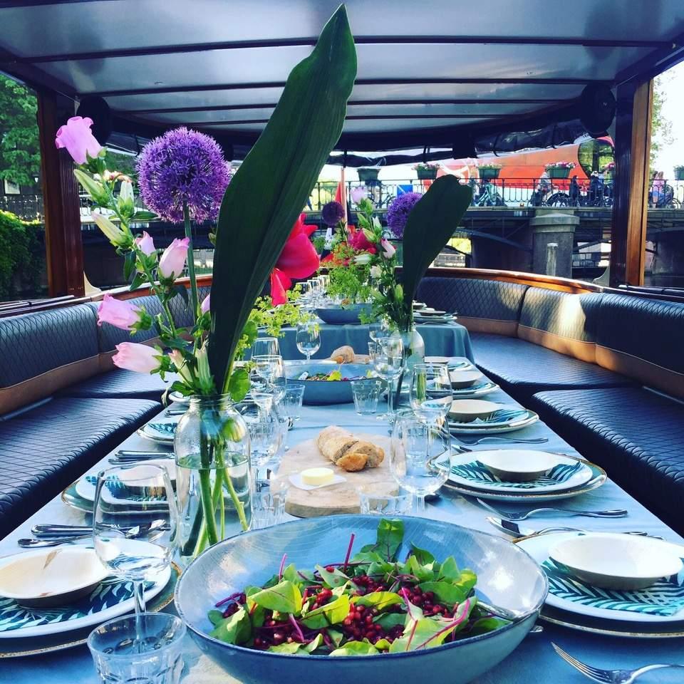 salonboot met diner